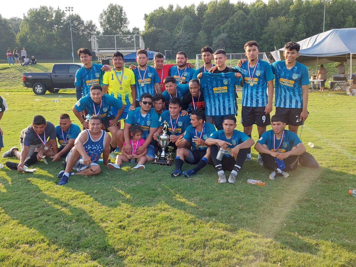 Independiente campeón en la Monroe Soccer League (Foto: Marcos Andon)