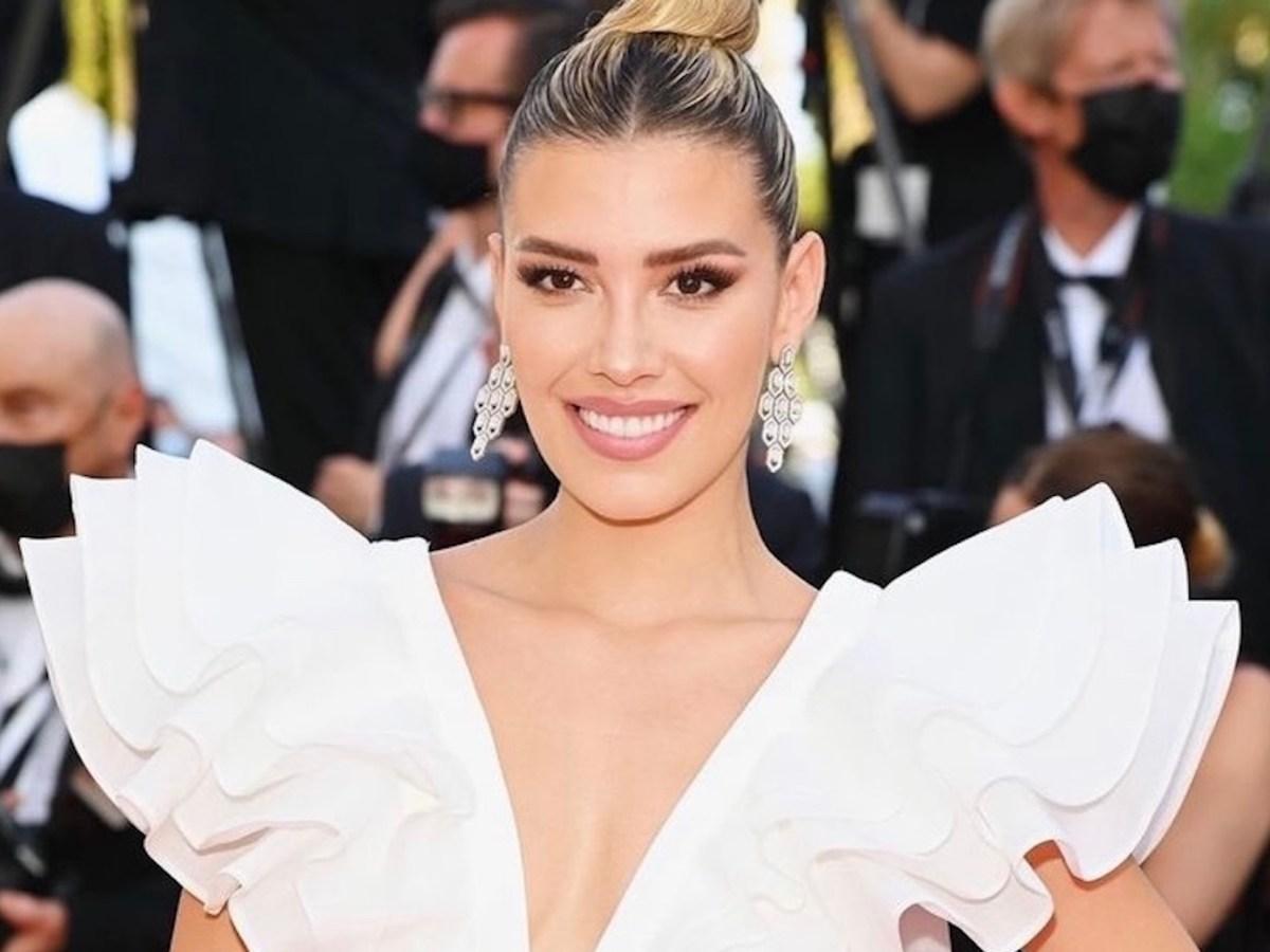 Michelle Salas luce deslumbrante en la alfombra roja de Cannes
