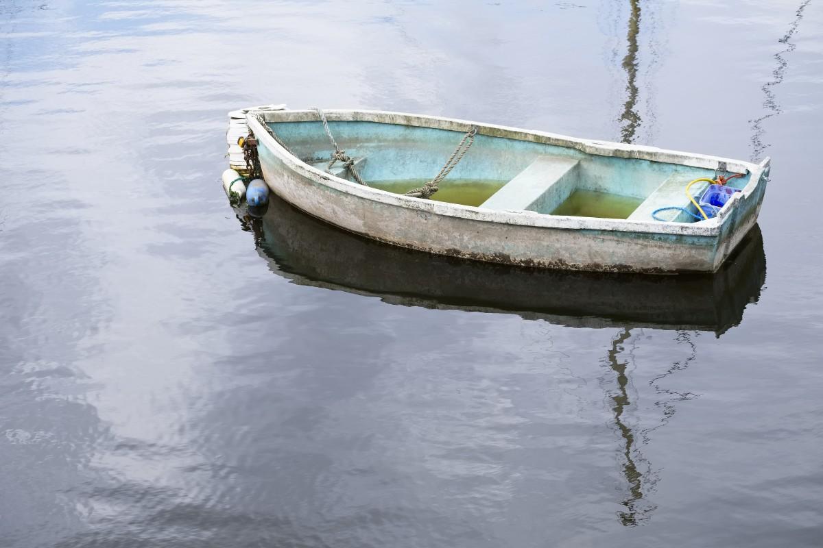 Padre e hijo rescatan a conductor de bote desaparecido en Carolina del Norte
