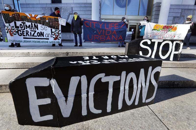 Una jueza federal decidió permitir la continuación de la moratoria contra los desalojos de los Centros para el Control y la Prevención de Enfermedades (CDC). Foto AP / Michael Dwyer