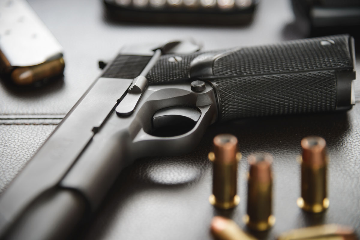 Senado de Carolina del Norte elimina permiso de pistolas