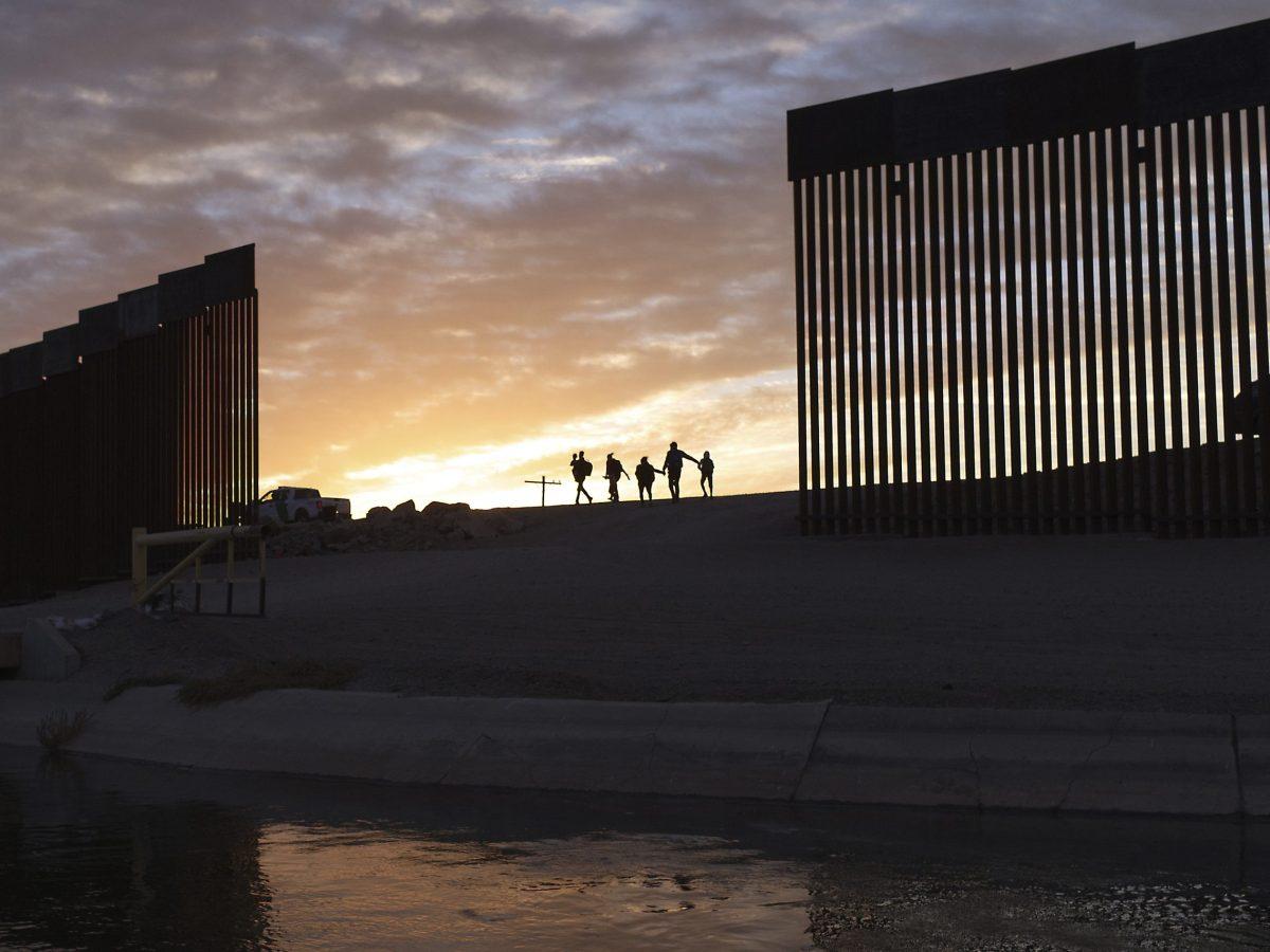Detención de niños y familias en frontera en números históricos