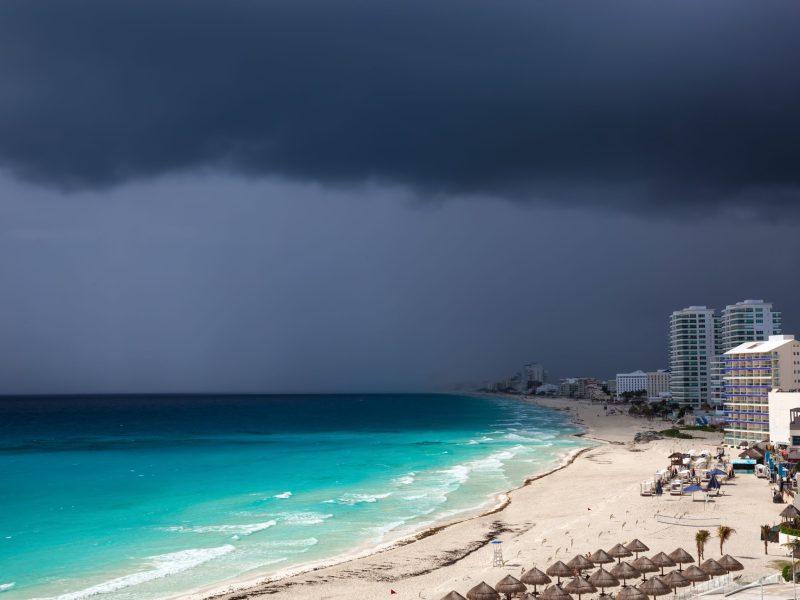 huracan-grace-toco-tierra-en-caribe-mexicano