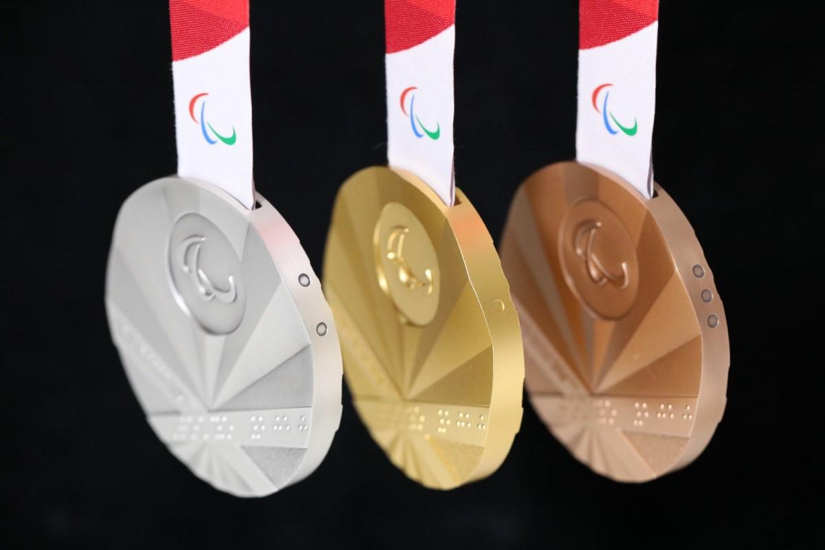 medallas juegos paralímpicos braille