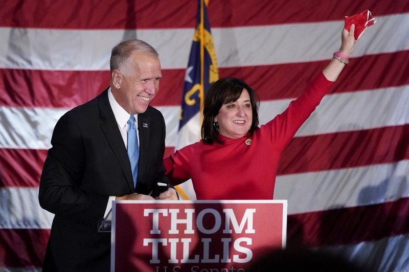 El Senado de los Estados Unidos planifica su presupuesto de $3.5 mil millones, pero Senador de Carolina del Norte, Thom Tillis se opone.
