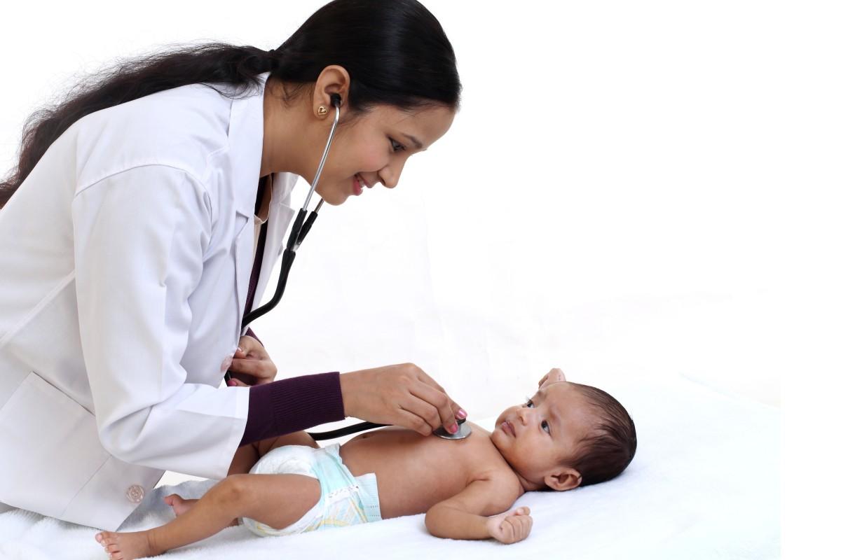 Clínicas gratuitas ayudan a mejorar el acceso a la atención médica para latinos