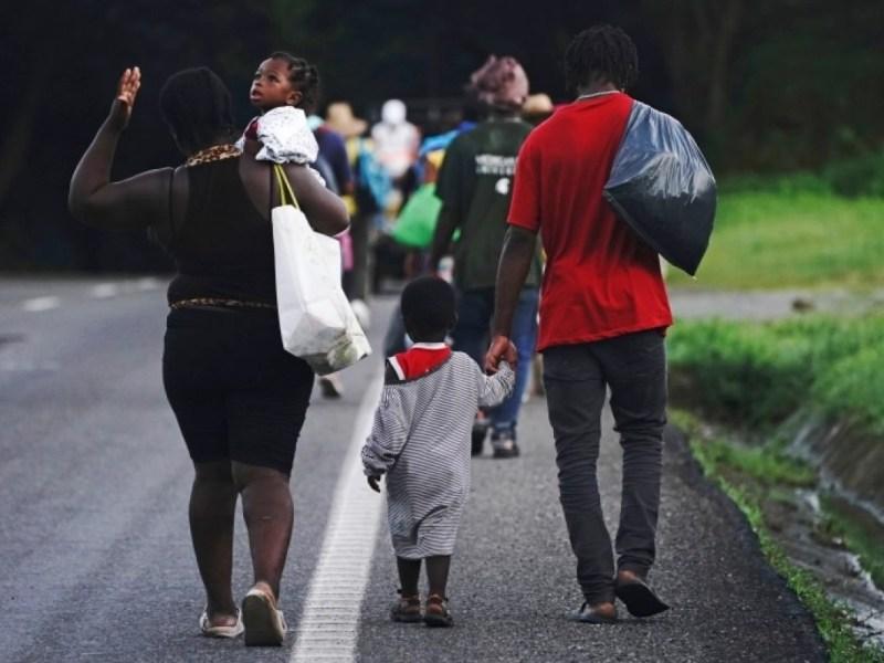 Autoridades rescatan 133 migrantes