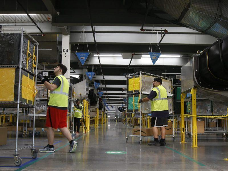 amazon-dara-empleo-a-nuevos-trabajadores-40-mil-para-tiendas-del-pais