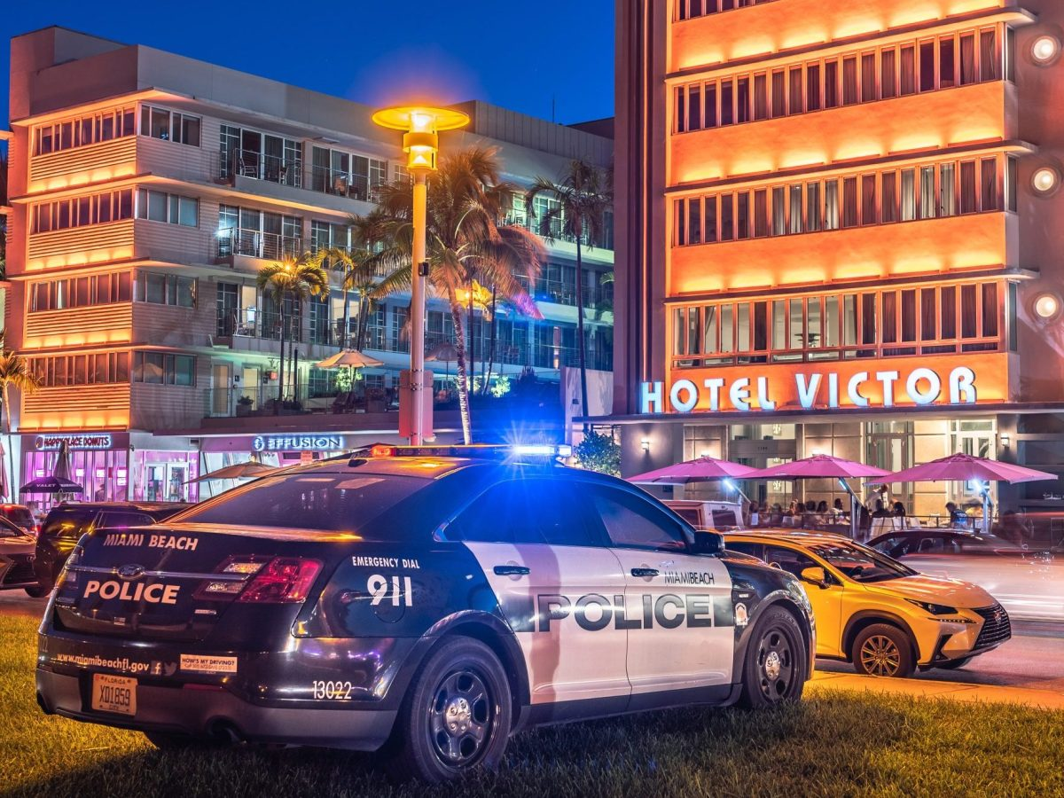 policías heridos tiroteo Miami