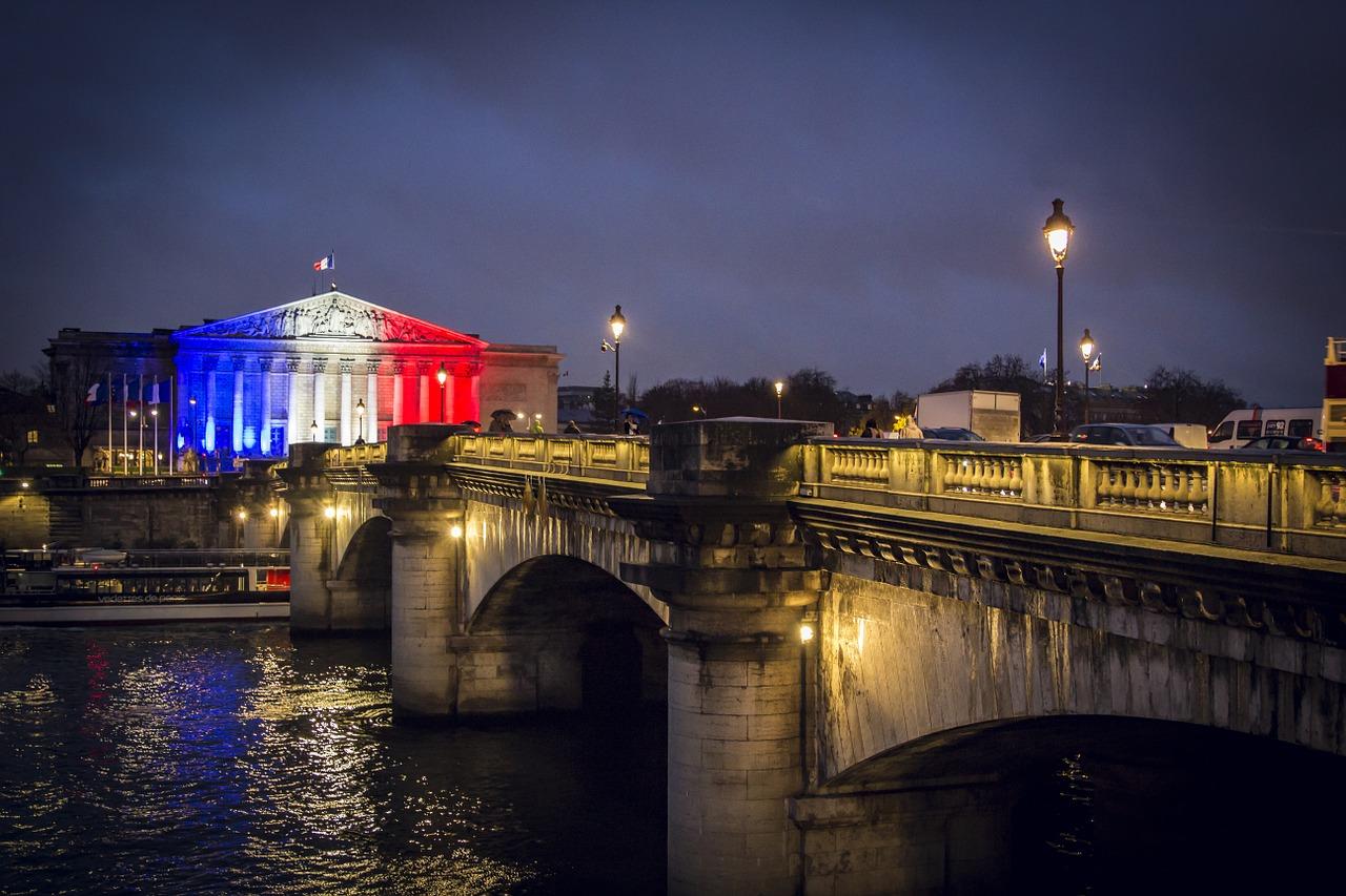 paris-1293747_1280