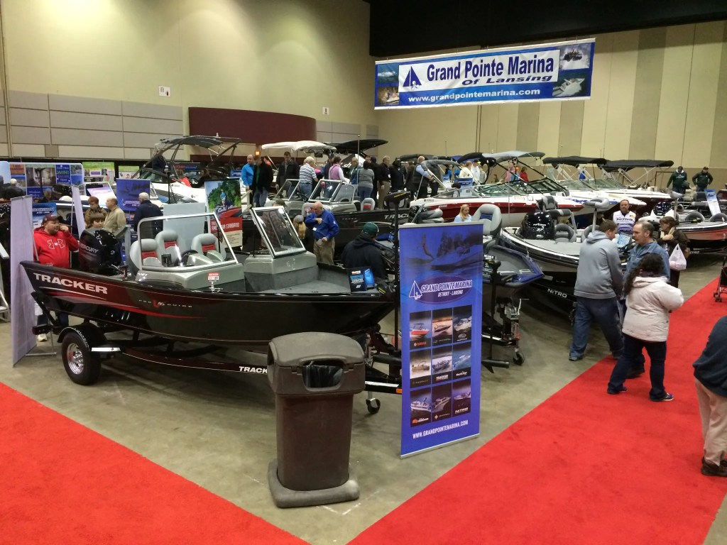 Lansing Boat Show Random Picture #1
