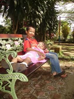 Hanif dan Mila saat masih kecil