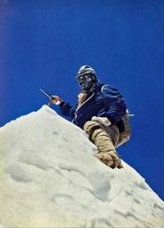 J.Couzy en la cima del Makalu, 15-5-1955. (Pht.L.Terray)