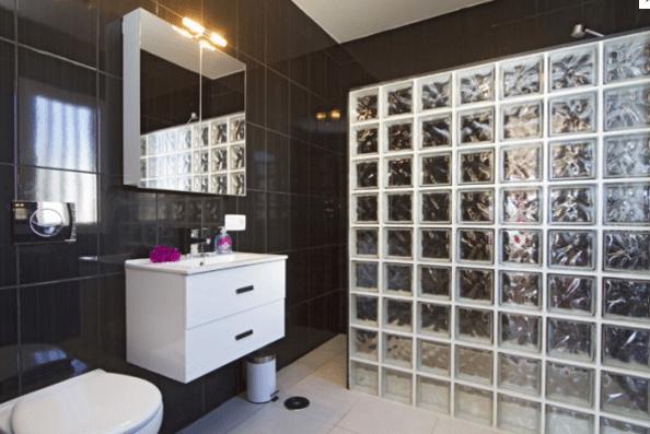 Villa_Quintus_bathroom