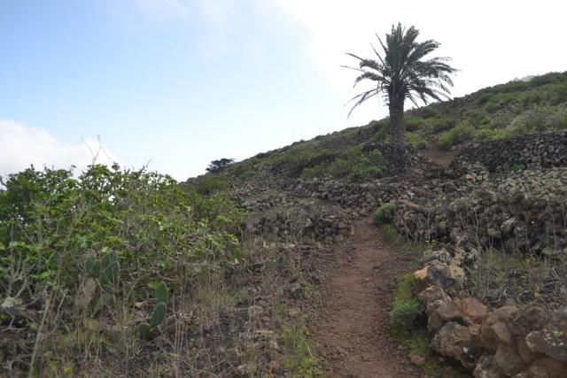 Footpath to Monte Corona