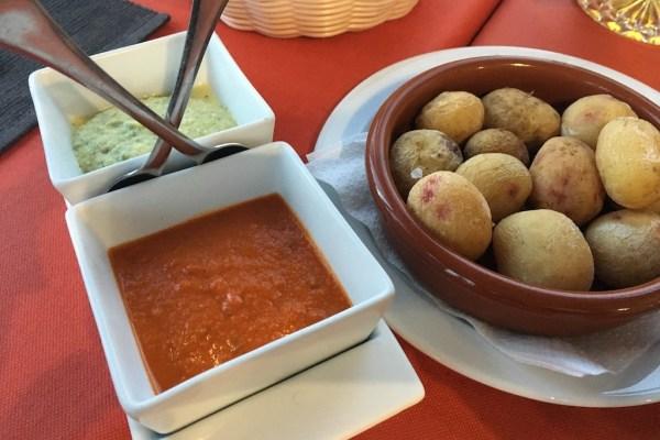 Wrinkly potatoes & mojo