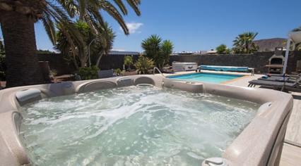 443 hot tub