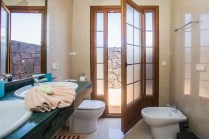 Corralejo Bathroom 2