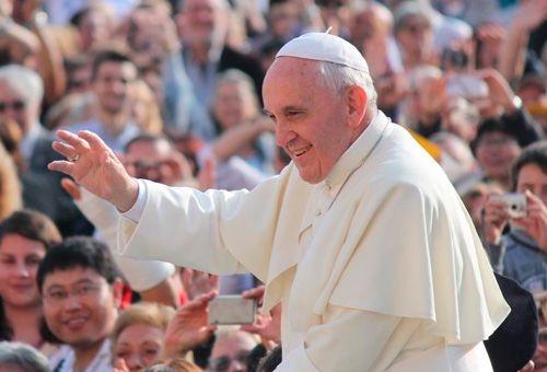 papa-francisco-la-educacion-construye-la-paz
