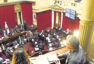 Reformas express: el Senado argentino comenzará a tratar la reforma previsional y la ley de responsabilidad fiscal