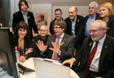 Cataluña: triunfó el independentismo en unas elecciones divididas