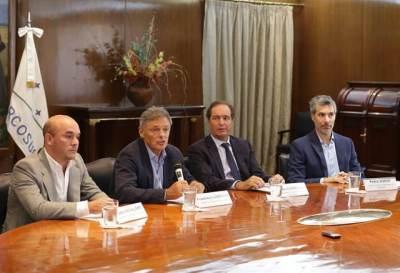 Mediante decreto, el gobierno argentino aplica reformas en el Estado
