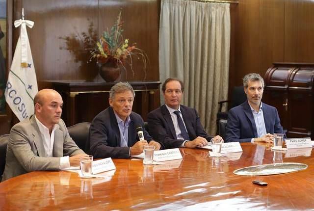 mediante-decreto-gobierno-argentino-aplica-reformas-estado