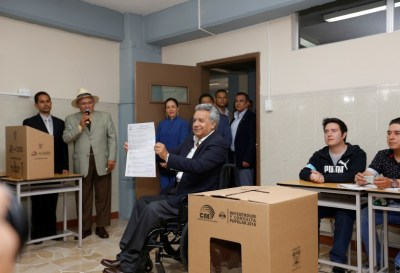 Incierto el futuro de Ecuador tras el triunfo del oficialismo