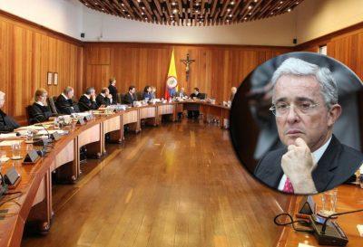 Los peligrosos mitos sobre Uribe y el uribismo en Colombia