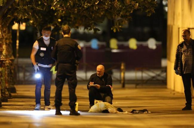 detuvieron-a-un-afgano-por-acuchillar-a-siete-personas-en-paris