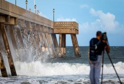 Aunque se degradó a categoría 2 el huracán Florence sigue siendo devastador