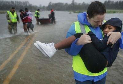 El huracán Florence ya tocó tierra en las Carolinas