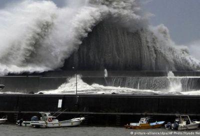 Japón afectado por el tifón Jebi, el mayor en 25 años