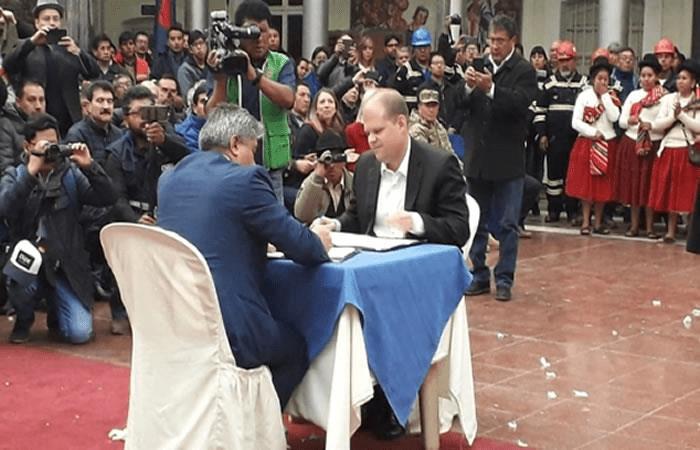 Bolivia construirá la planta de energía solar más grande del país en Oruro
