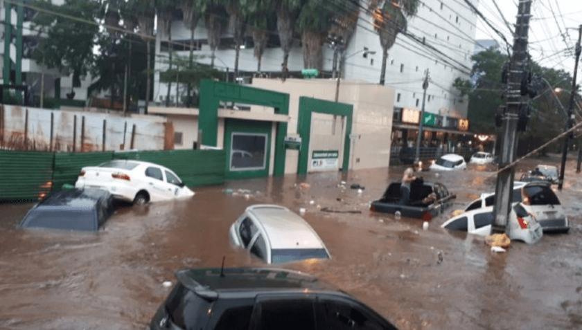 ¿Cuál es la causa de las inundaciones en Paraguay?
