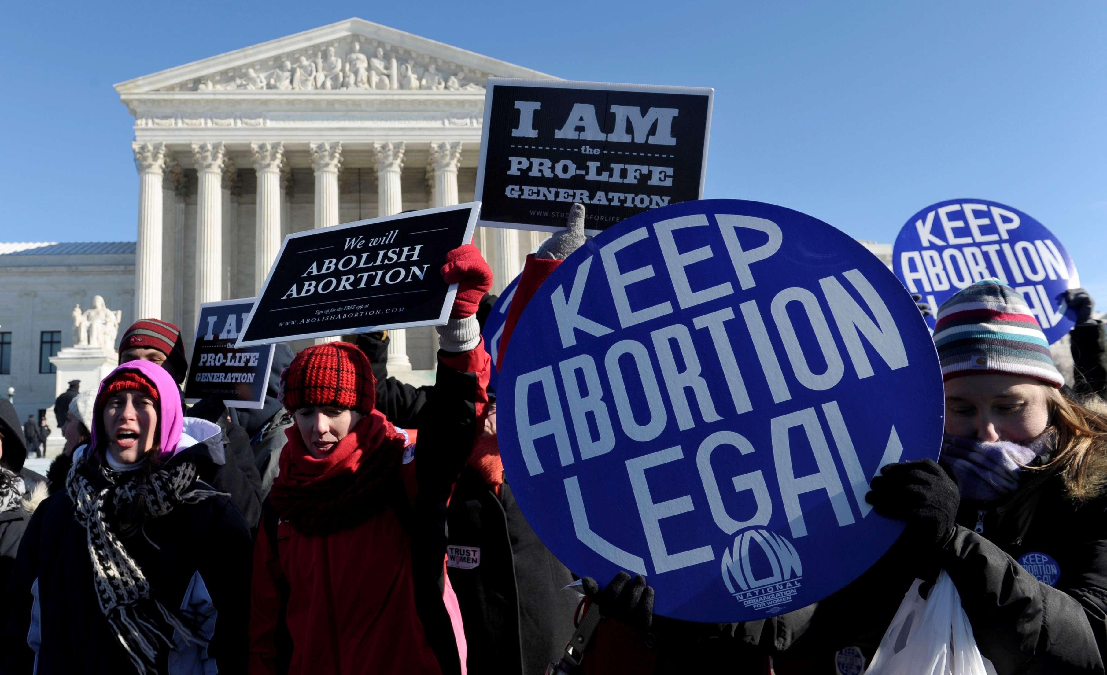 Estudiante de Dallas pronunció discurso contra la prohibición del aborto en Texas. El video se hizo viral y Hillary Clinton elogió a la joven