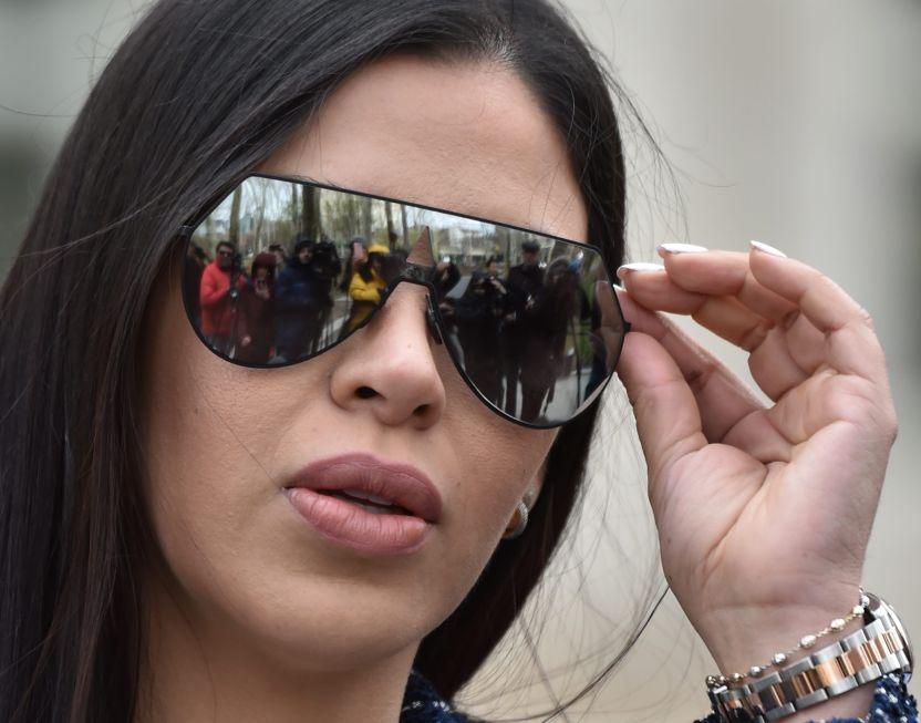 gettyimages 947590628 1 e1546276640637 17 - FOTO: Esto es lo que Emma Coronel se pone en el rostro para verse espectacular