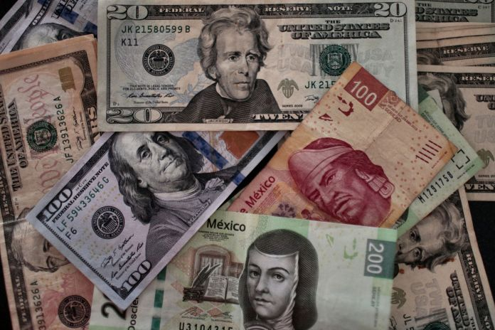 How much is the dollar in Mexico? April 24, 2020. The peso operates with ups and downs