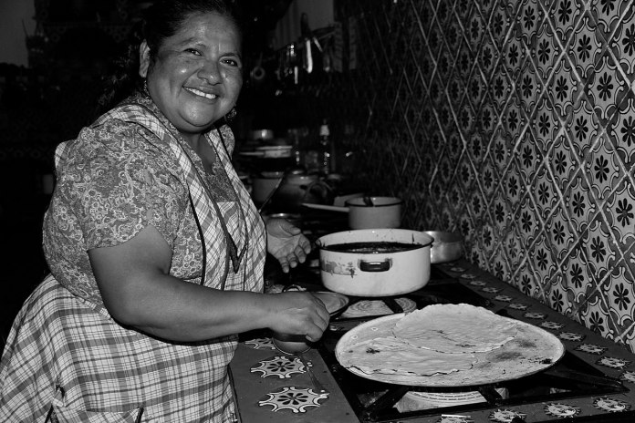 Tlayuda mexicana, the best street dish in Latin America