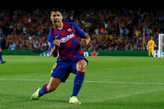 Luis Suárez, el hombre del partido con dos buenos goles para sacar el triunfo.