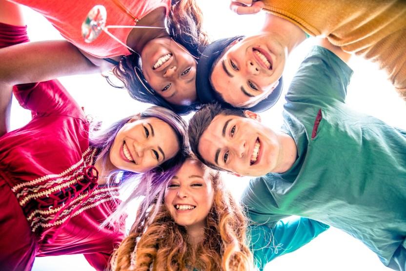 MUJER ADOLESCENTES - Amor adolescente en tiempos de Covid, lo que los padres deben saber