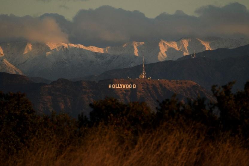 GettyImages 1230346990 - La nieve en el sur de California llega a Malibu, un emblema de sol y playa de la región