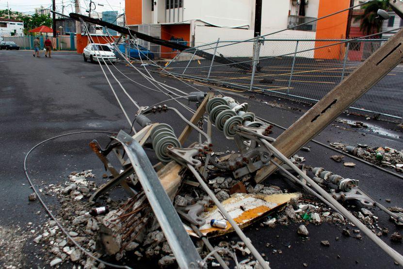 GettyImages 871400360 - Padre e hija hispanos mueren electrocutados por un cable de alta tensión caído en Los Ángeles