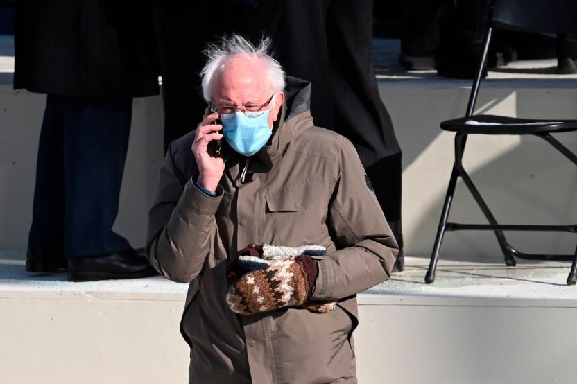 fe2230c845d30079012c22602f03694d1ecfc1df - Ya puedes crear tu propio meme y colocar a Bernie Sanders y sus guantes en cualquier parte del mundo