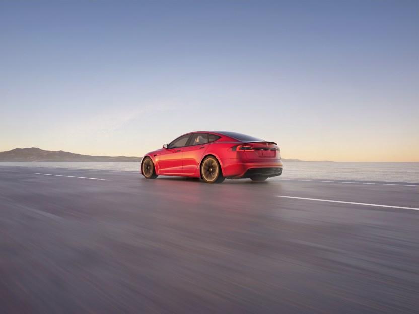 Tesla ModelS 02 - Tesla Model S Plaid supera al Porsche Taycan en Nürburgring