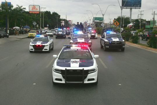 """La opacidad """"legal"""" de Remberto: Dar a conocer contrato de renta de patrullas pondría en riesgo """"estabilidad"""" de Cancún, dice Gobierno"""