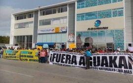 """Aguakan se sintió """"débil y desprotegida"""" y demandó al Gobierno; por eso no paga"""