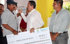 Carlos Joaquín entrega $31.5 millones del programa de Concurrencia 2017 y $52.044 millones de programas estatales para impulsar la producción en el sur