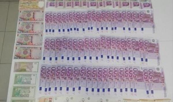 Detienen a pasajero con más de 700 mil pesos en el aeropuerto de Cancún, y a grupo armado en Playa del Carmen