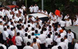 Taxistas de Playa quieren más concesiones; protestan ante Sintra